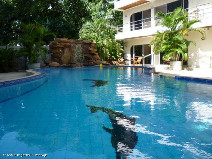 pic-1-Rightmove Pattaya 3 bedroom condo in pratumnak for rent palm springs   to rent in Pratumnak Pattaya