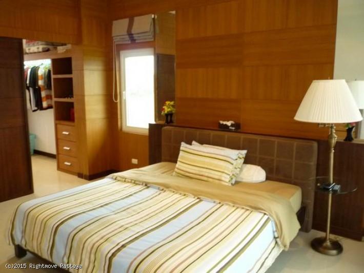 4 bedrooms house for rent in jomtien tropicana villa
