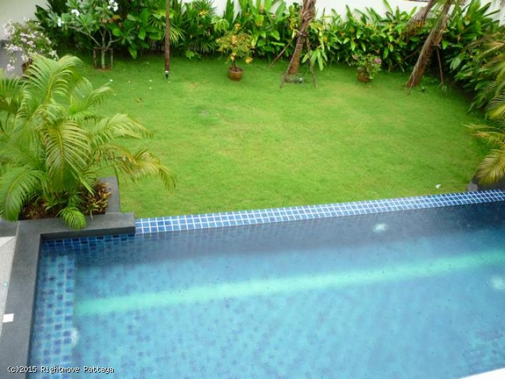 4 Bedrooms House For Rent In Jomtien-tropicana Villa