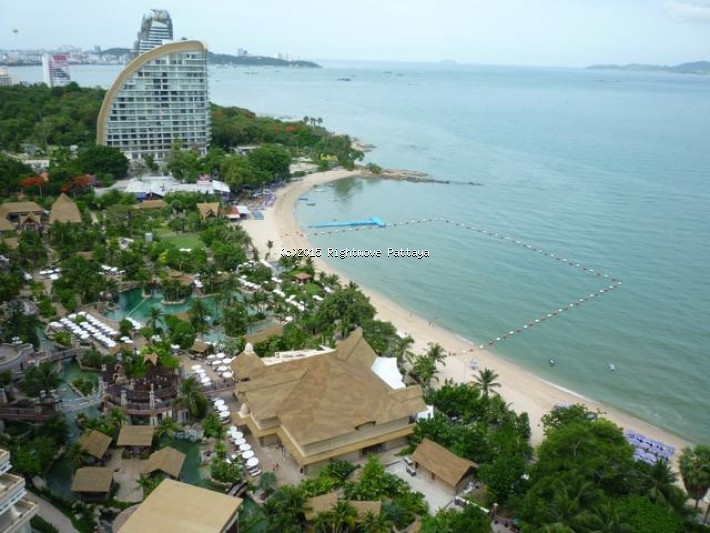 3 bedroom condo in wongamart naklua for rent saranchol  to rent in Wong Amat Pattaya