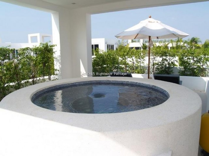 3 bedrooms house for rent in jomtien palm oasis