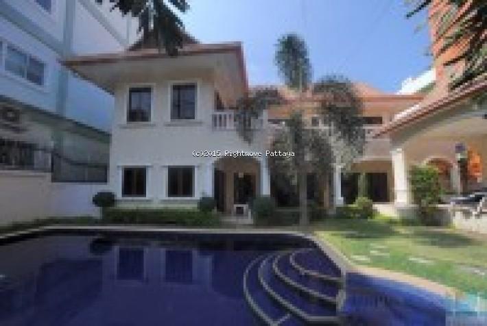 4 Bedrooms House For Rent In Pratumnak-royal Beach Villa