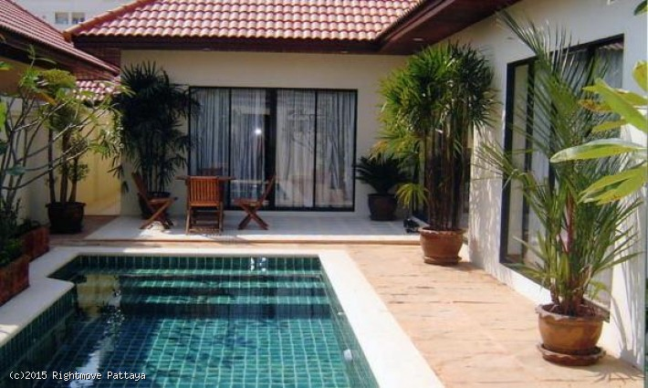 2 Bedrooms House For Rent In Jomtien-view Talay Villas