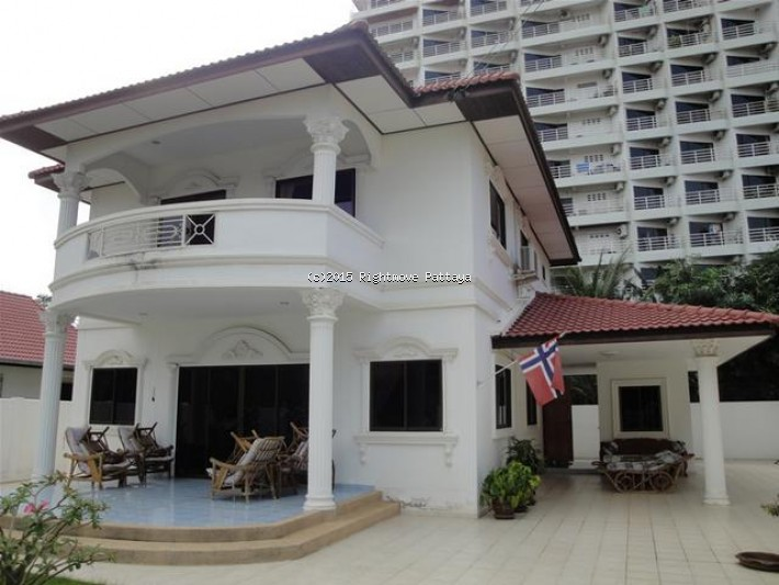 4 bedrooms house for rent in jomtien royal park village