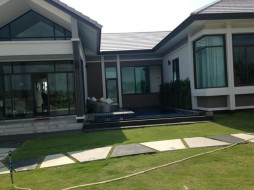 Patta Prime House In East Pattaya
