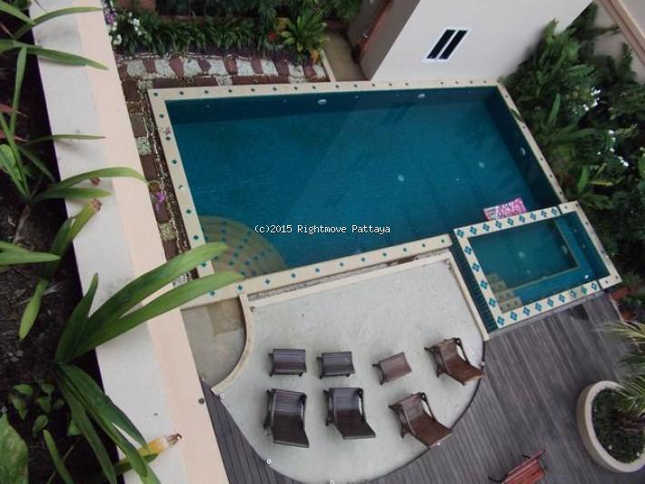 2 bedroom condo in pratumnak for sale executive residence 4  for sale in Pratumnak Pattaya
