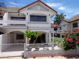 4 Bed House For Rent In East Pattaya - Country Club Villa