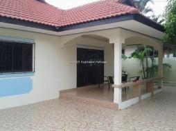 2 Beds House For Rent In Jomtien - Royal Park Village
