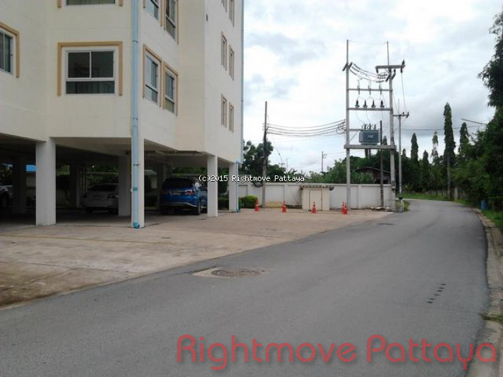 2 bedroom condo in bang saray for rent beach mountain 1  借りる で バンサライ パタヤ