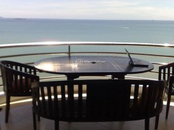 3 Beds Condo For Rent In Pratumnak - Royal Cliff