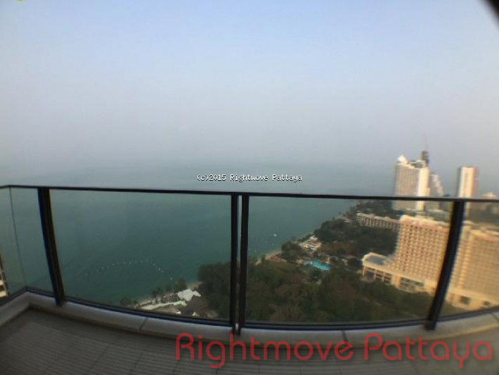 3 bedroom condo in wongamart naklua for rent northpoint    to rent in Wong Amat Pattaya