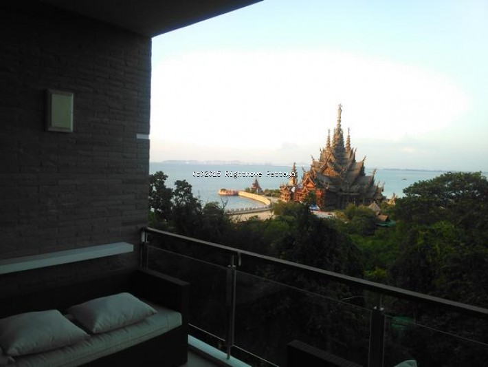 2 bedroom condo in wongamart naklua for rent the sanctuary704707594    to rent in Wong Amat Pattaya