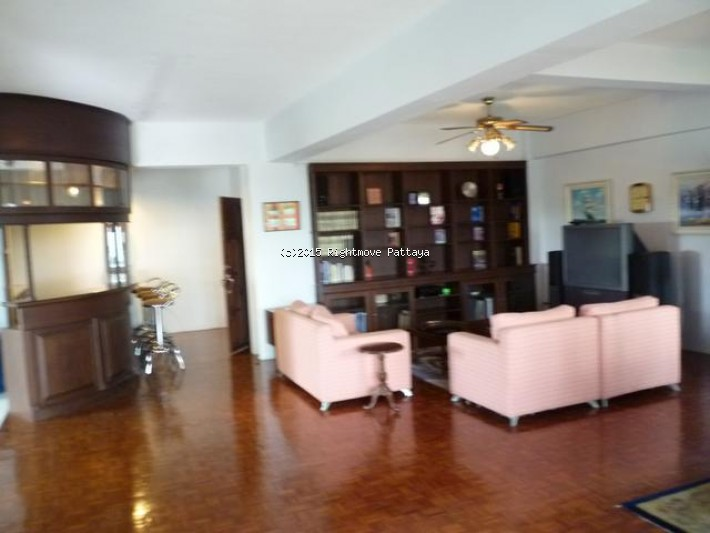 pic-2-Rightmove Pattaya 2 bedroom condo in na jomtien for sale somphong condo1555044123   出售 在 宗甸娜 芭堤雅