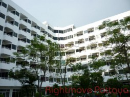 Studio Condo For Sale In Na Jomtien - Somphong Condo