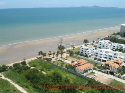 3 Beds Condo For Sale In Na Jomtien - La Royale