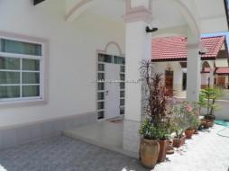 2 Beds House For Sale In East Pattaya - Baan Suey Mai Nang