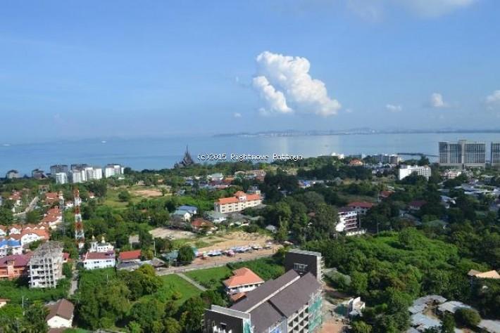 studio condo in wongamart naklua for sale ad hyatt5175572    te koop In Wong Amat Pattaya