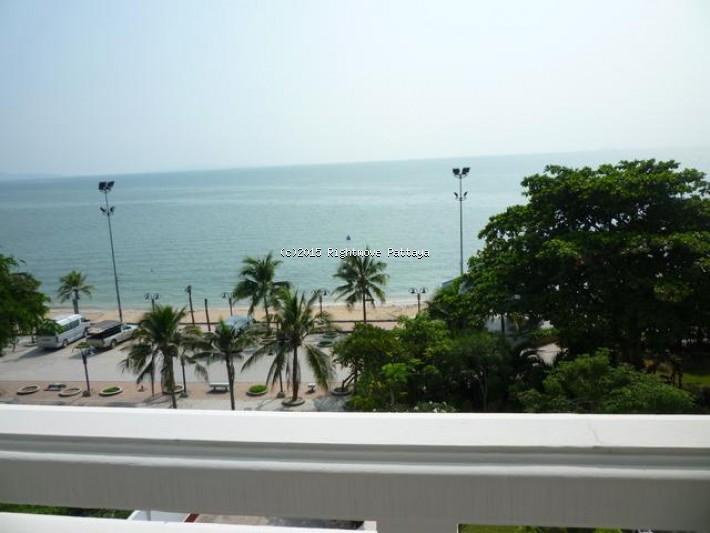 3 bedroom condo in pratumnak for sale baan chai nam    出售 在 Pratumnak 芭堤雅