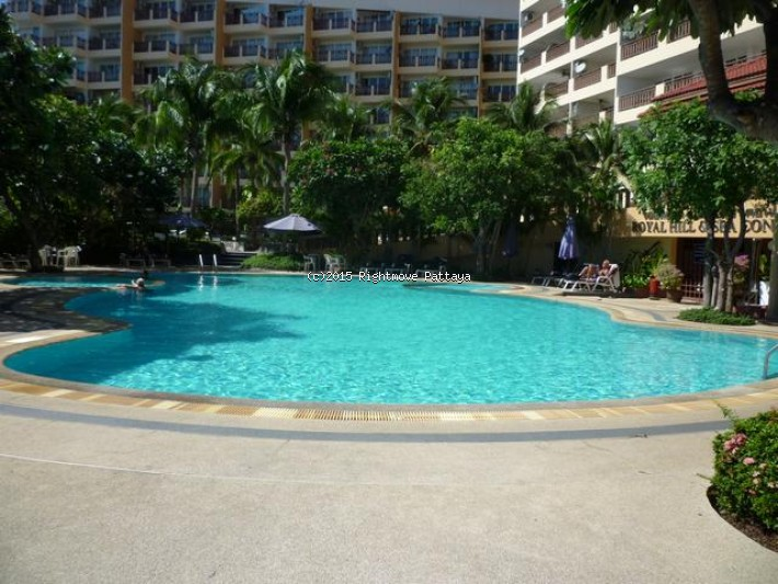2 bedroom condo in jomtien for sale royal hill    出售 在 宗滴恩 芭堤雅