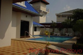 4 Beds House For Sale In East Pattaya - Not In A Village