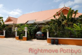 3 Beds House For Sale In East Pattaya - Baan Suan Neramit