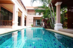 8 Beds House For Sale In Pratumnak - Not In A Village