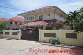 3 Beds House For Sale In Bang Saray - Dhewee Park