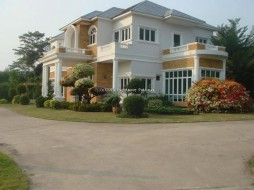 9 Bed House For Sale In Bang Saray - Not In A Village