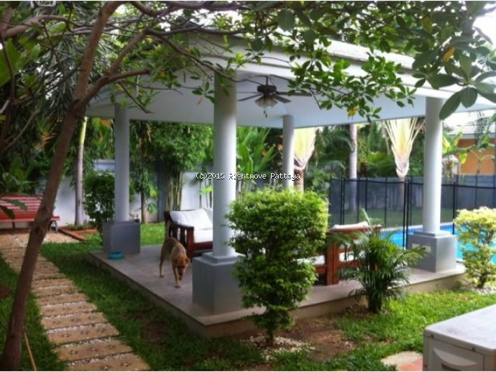 3 bedroom house in east pattaya for rent siam royal view1418103365 house for rent in East Pattaya