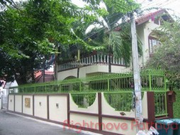 3 Beds House For Sale In Central Pattaya - Suksabai Villa