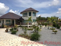 3 Beds House For Rent In Na Jomtien - Not In A Village