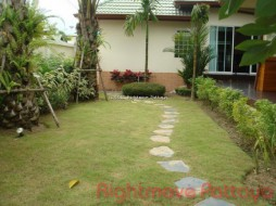 5 Bed House For Sale In Banglamung - Pool Villa