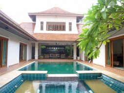 4 Beds House For Rent In East Pattaya - Temple Lake Villas