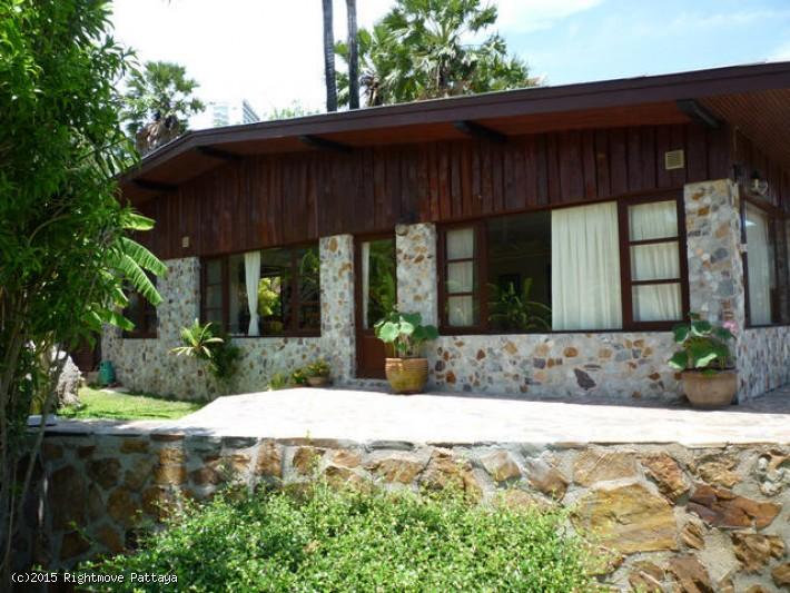 3 bedroom house in wongamart naklua for rent baan viscaya1711040263 집 임대 에 웡 Amat