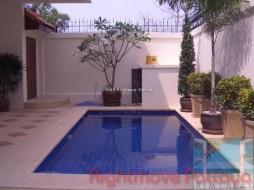 3 Beds House For Rent In Pratumnak - Avoca Garden 3