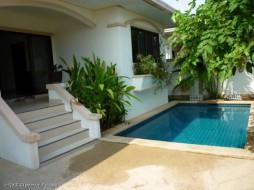 3 Beds House For Rent In Jomtien - Adare Gardens 1