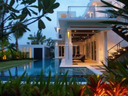4 Beds House For Rent In Jomtien - Palm Oasis