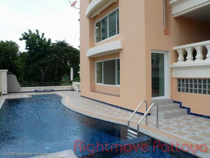 2 bedroom condo in pratumnak for sale bay view    para la venta en Pratumnak Pattaya