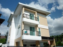 6 Beds House For Sale In Wongamat - Not In A Village