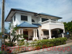 4 Beds House For Sale In East Pattaya - Madison Gardens