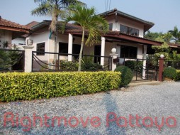 4 Beds House For Sale In Na Jomtien - Hinvong