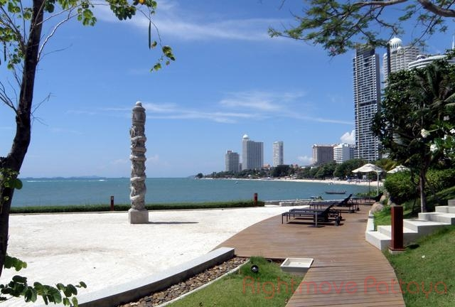 pic-7-Rightmove Pattaya   Condomini per la vendita In Wong Amat Pattaya