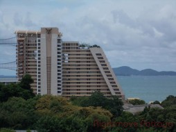 1 Bed Condo For Rent In Wongamat - Tropicana