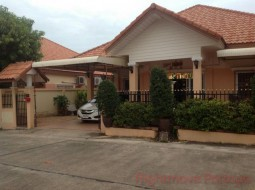 3 Beds House For Sale In East Pattaya - Classic Home 2