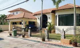3 Beds House For Sale In East Pattaya - Paradise Villa 1