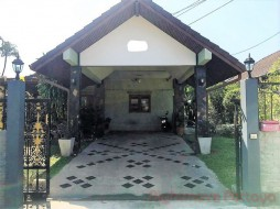 3 Bed House For Rent In East Pattaya - Pattaya Land & House