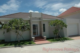 3 Bed House For Sale In Huay Yai - Lotus Fields