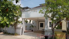 3 Beds House For Rent In East Pattaya - Chateau Dale Residence