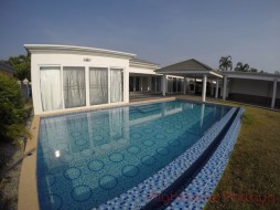 4 Beds House For Rent In East Pattaya - Siam Royal View