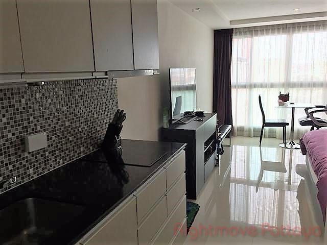 studio condo in pratumnak for sale hyde park 2477733675  for sale in Pratumnak Pattaya